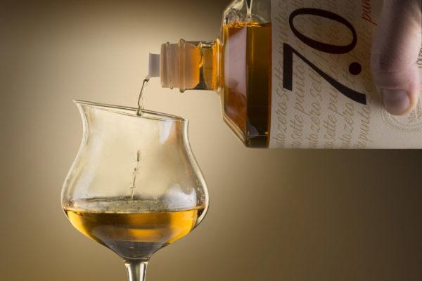 Bottiglia-bicchiere7puntozero-600x400