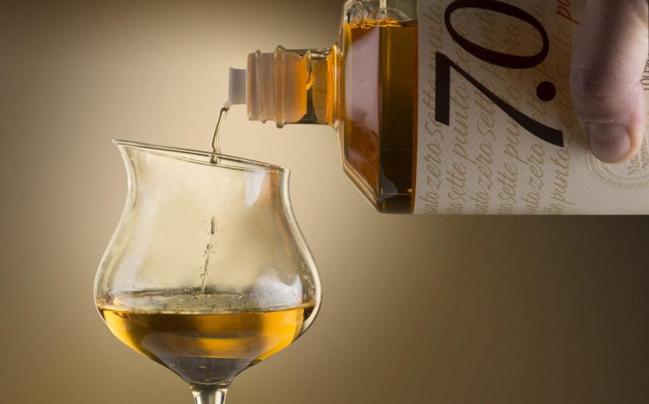 Bottiglia-bicchiere7puntozero-915x570